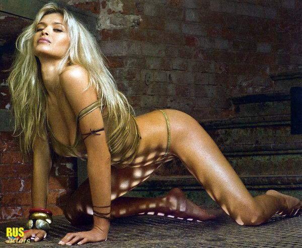molodie-russkie-aktrisi-v-eroticheskih-stsenah-na-video-ebut-obaldennuyu-telku