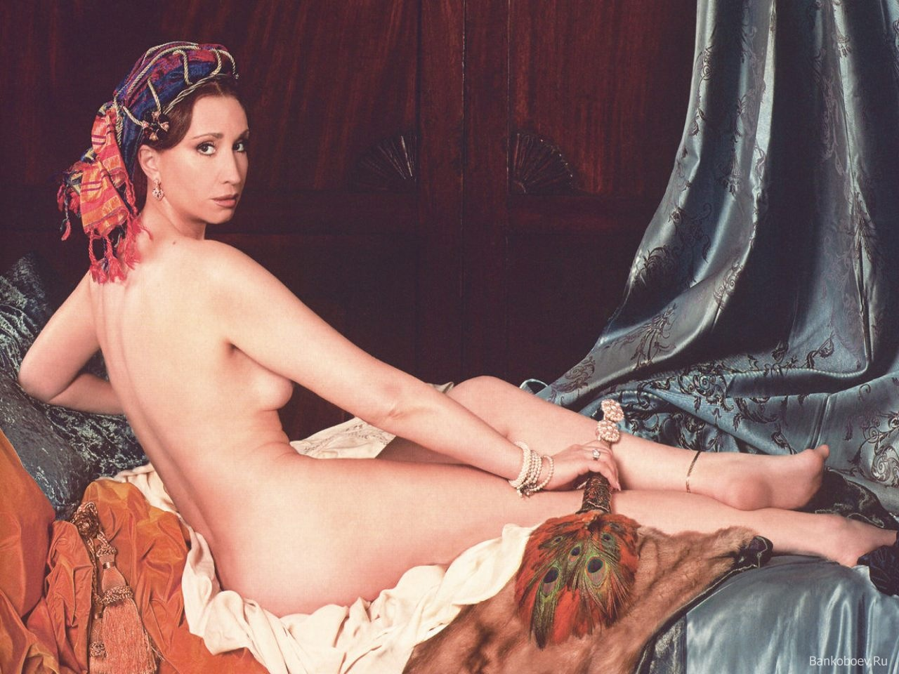 А если голая Ирина Аллегрова не достаточно тебя возбудила, ты можешь